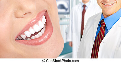 שיניים, אישה