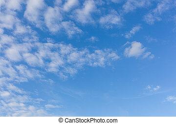 שמיים כחולים, עם, עננים