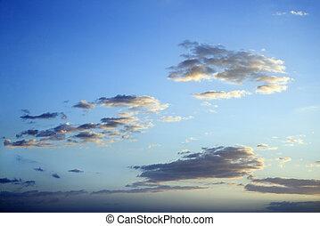 שמיים כחולים, dusk., עננים