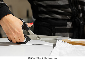 תבנית של מארג, חייטים, לחתוך, נייר, ידיים נקבות, מספריים