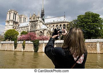 תייר, ב, פריז