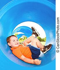 ∥あるいは∥, 遊び, 若い, かわいい, 男の子, playground., トンネル, 子供