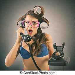 うわさ話, 電話