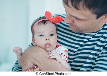 お父さん, 幼年時代, 概念, 教育, family., 手掛かり, 父, 若い, 隔離された, arms., バックグラウンド。, 彼の, 子供, 赤ん坊, 白, 味方, 幸せ