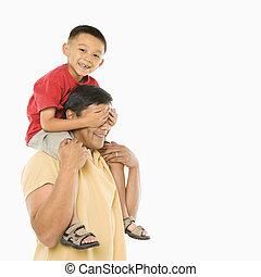 お父さん, 息子, 肩。
