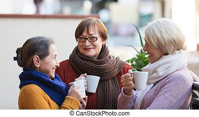 お茶, シニア, バルコニー, 飲むこと, 女性