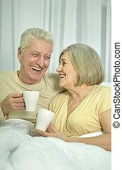 お茶, 年長の カップル, 飲むこと