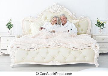 お茶, 恋人, シニア, ベッド