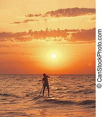 かいで漕ぐ, 板, 海, 一口, sunset., 人