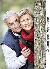 かいま見ること, 恋人, 木, のまわり, より古い
