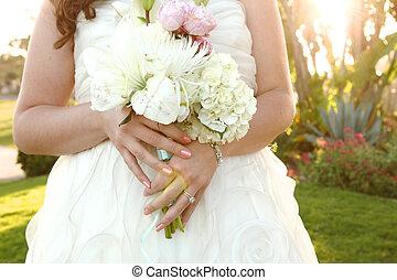 かなり, 花嫁, 上に, 彼女, 婚礼の日, 屋外で
