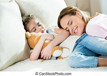 かわいい, わずかしか, テディベア, 睡眠, 母, 女の子, 幸せ