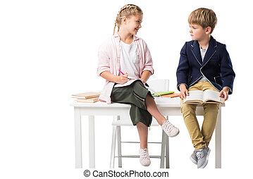 かわいい, わずかしか, 子供, 勉強, 間, テーブルの着席, 隔離された, 白