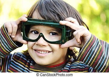 かわいい, わずかしか, 屋外, パイロット, 目, 子供, ガラス