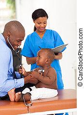 かわいい, わずかしか, 患者, 医者, 引く, アフリカ, 聴診器