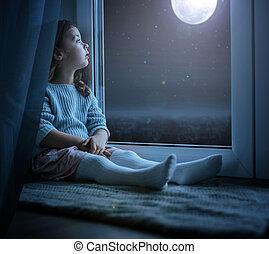 かわいい, わずかしか, 月, 見る, 夜, 肖像画, 女の子