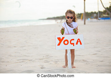 かわいい, わずかしか, 2, 休暇, 女の子, 楽しむ, 浜, ココナッツ