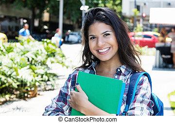 かわいい, アメリカ人, 女子学生, 笑い, カメラにおいて