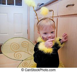 かわいい 女, よちよち歩きの子, 衣装, 蜂