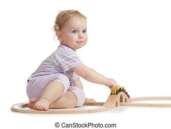 かわいい, 子供, ある, 遊び, ∥で∥, 木製の列車, 隔離された, 白