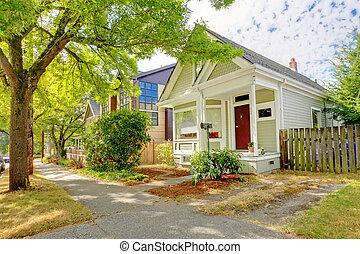 かわいい, 家, 小さい, アメリカ人, 緑, white., 職人, wth