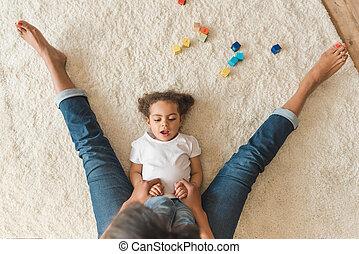 かわいい, 小さい母, 家, 女の子, 子供, 遊び, カーペット