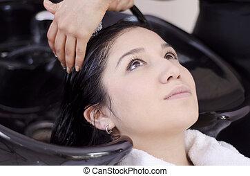 かわいい, 彼女, 得ること, 洗われた, 毛, 女の子