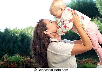 かわいい, 母, 赤ん坊, 肖像画, 持ち上がること, 幸せ