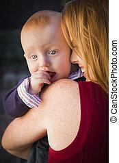かわいい, 頭, 彼の, 男の子, 幼児, 母, 肖像画, 赤