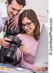 すてきである, 女, 微笑, glasses., 偶然, 人, toothy, 提示, 衣装, 美しい, 写真
