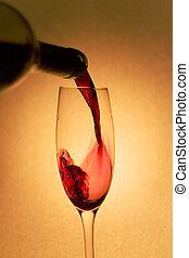 たたきつける赤ワイン