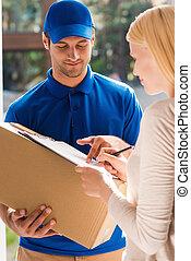 ただ, 保有物, 印, ボール紙, here., 女, 署名, 若者, ハンサム, クリップボード, パッティング, 配達箱, 美しい, 間