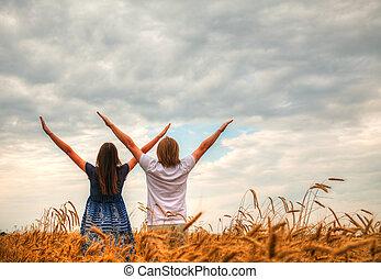 とどまること, 小麦, 恋人, 上げられた, フィールド, 手