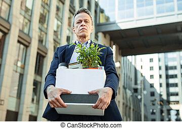について, オフィス, 後で, 悲しい, マネージャー, ニュース, 変化する, 感じ, 住所