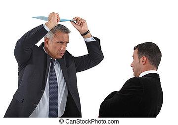 について, 衝突, 怒る, クリップボード, 従業員, 上司