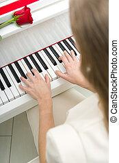 の上, 女性手, 終わり, ピアノ 遊ぶこと