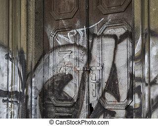の上, 通り, 古い, 2017:, 壊される, チェコ, 家, プラハ, 27, ドア, プラハ, 共和国, 黒, jecna, カバーされた, 終わり, 白, 絵, 11 月, 中心