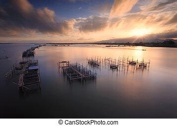 の間, 釣りネット, 日の出