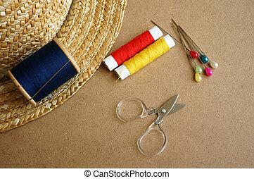 はさみ, 糸, 木製である, 道具, 裁縫, 針, 背景, ボビン