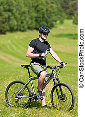 ふざけている, 山, リラックスしなさい, 日当たりが良い, biking, 牧草地, 人