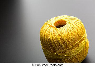 もつれ, 編むこと, 糸