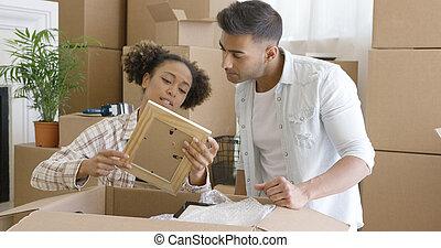 もの, 恋人, ∥(彼・それ)ら∥, 魅力的, 新しい 家, 荷を解くこと