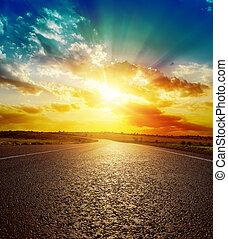 よい, アスファルト, 上に, 日没, オレンジ, 道