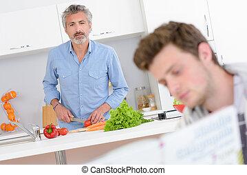 より若い, 野菜, 人, 見る, 本, 準備, 前方へ, 人