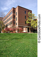 れんが造りの建物, 上に, 大学 キァンパス