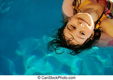 わずかしか, かわいい 女, 中に, プール