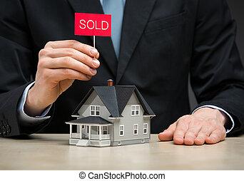 わずかしか, タブレット, 家, 売られた, 保存 の上, 終わり, 手