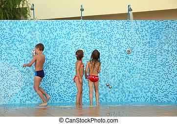 わずかしか, ビキニ, 取得, 後で, 2, 兄弟, シャワー, 姉妹, 水泳