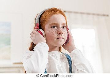 わずかしか, ヘッドホン, 音楽が聞く, 家肖像画, 女の子
