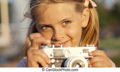 わずかしか, レトロ, 微笑の女の子, カメラ